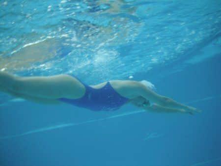 תרגילים לשיפור סגנון השחייה