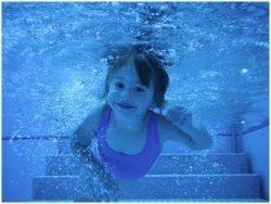 לימוד שחייה לפעוטות