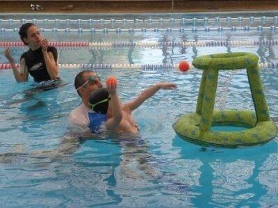 שחייה לילדים עם היפוטוניה