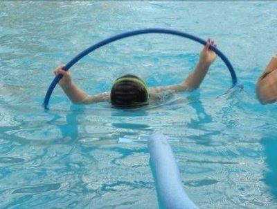 שחיה לחיזוק חגורת הכתפיים לילדים
