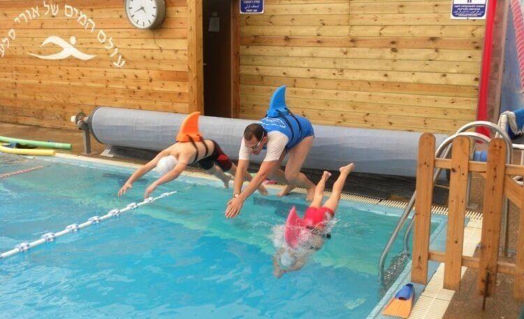 מצוף ללימוד שחייה לילדים