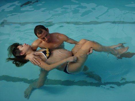 איזון גופני והידרותרפיה לנשים בהריון
