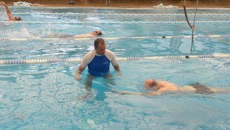 שיעורים פרטיים ללימוד שחייה למבוגרים