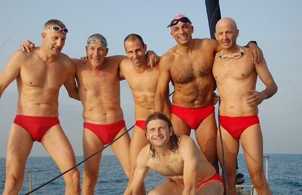 שחייה מקפריסין לישראל בים