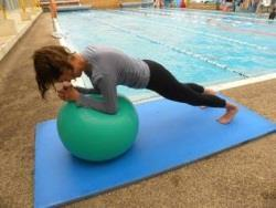 טיפול במים לבעיות גב
