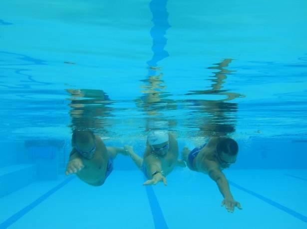 שחייה הידרותרפית WEST
