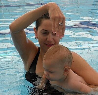 האם צלילת תינוקות חשובה כבר בגיל שלושה חודשים