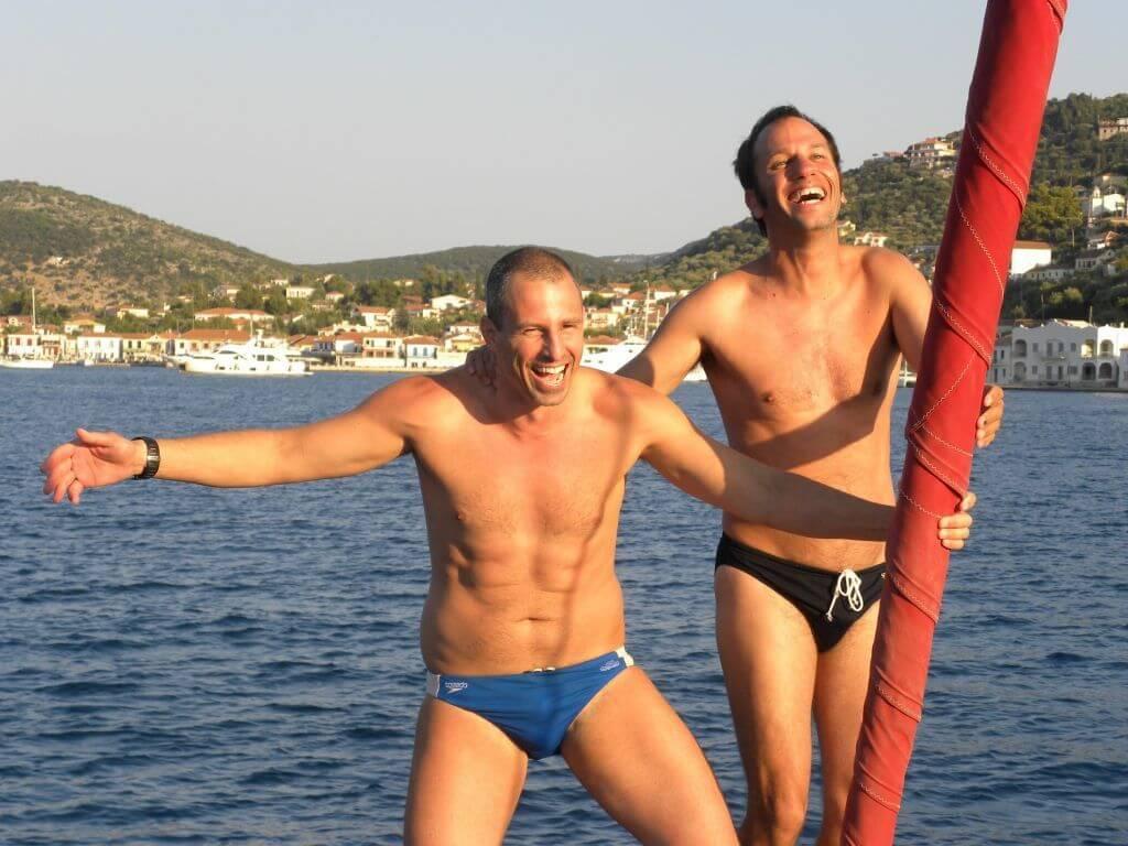 פלוטילת שחיינים ביוון