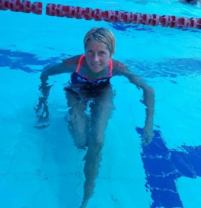 אולגה - מדריכת שחייה