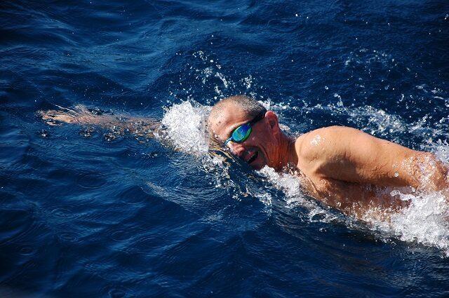 שחייה במים פתוחים בשיטת WEST