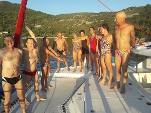 פלוטילת שחיינים - מחנה אימון שחייה במים פתוחים