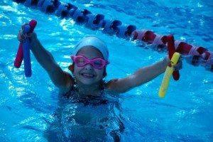 איך גורמים לילד לעשות ספורט ובפרט שחייה?