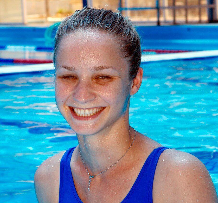 סופי טומרינסון - מדריכת שחייה