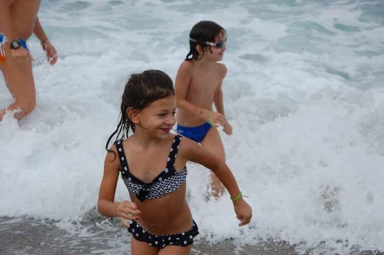 כללי בטיחות לשחייה בים עם ילדים