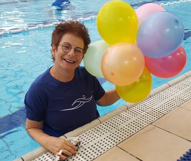 טליה לינדנר - מטפלת במים