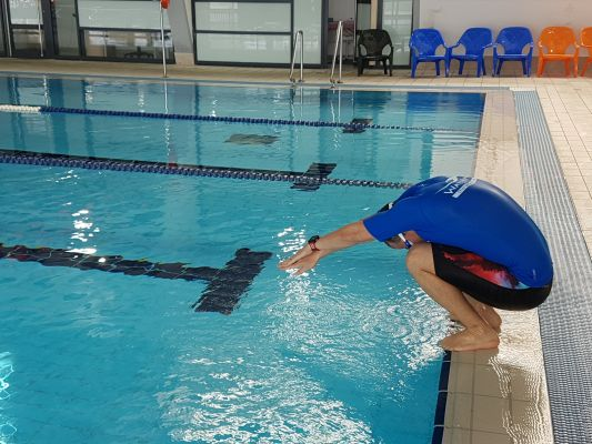 תרגיל שני לללימוד קפיצת ראש לבריכה