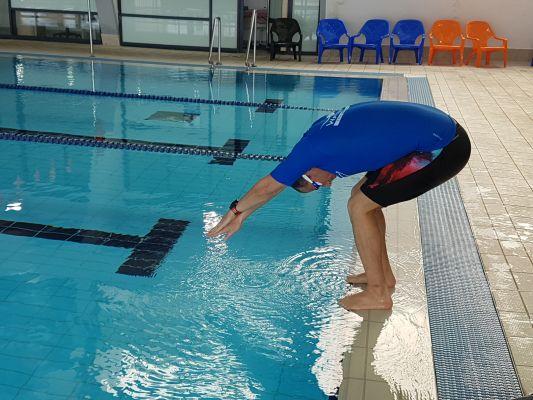 תרגיל חמישי ללימוד קפיצת ראש לבריכה