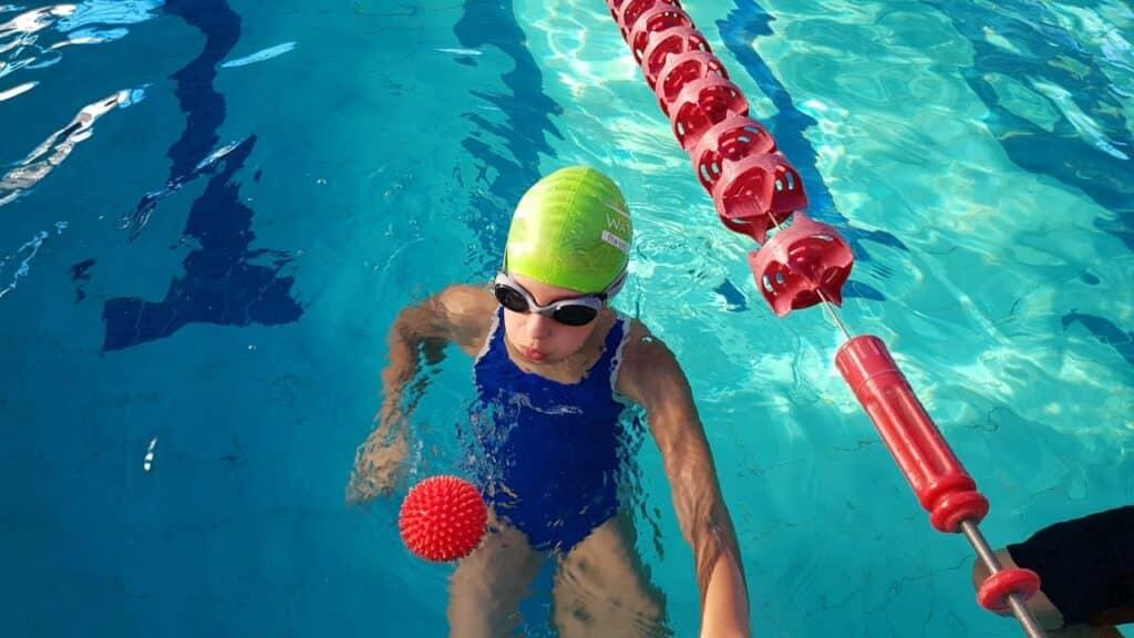 תרגול נשימה בשחייה לילדים
