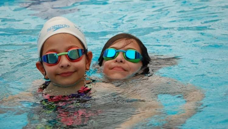 איך בוחרים משקפת שחייה לילדים
