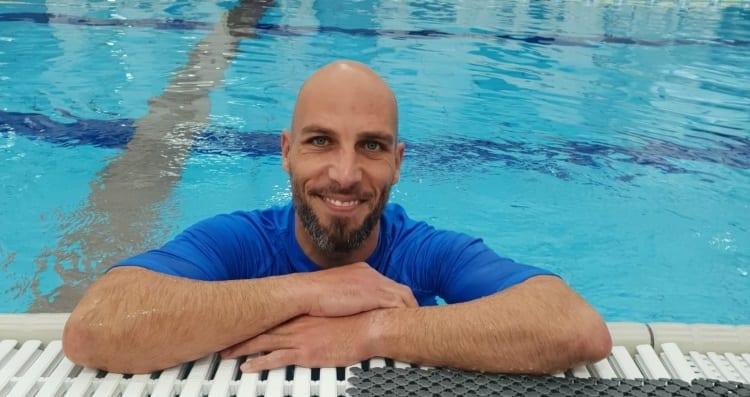 גארט ג'ייקובס - מדריך שחייה