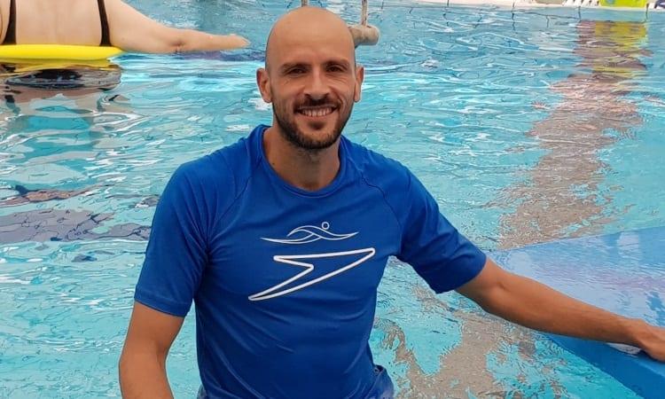מוטי תמר - הידרותרפיסט, מדריך שחייה ומציל