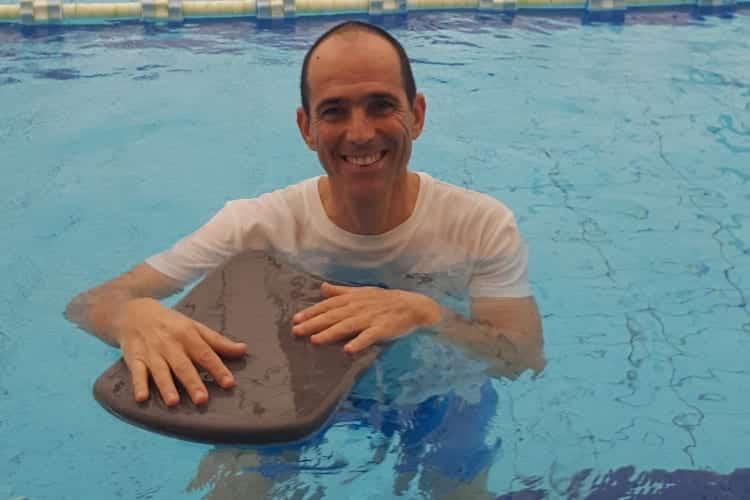 צור רוזנפלד - מדריך שחייה, מדריך התעמלות במים והידרותרפיסט